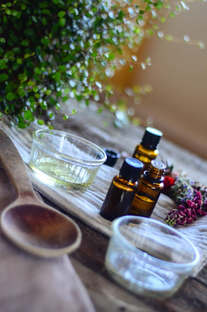 Essential oils to help with itchy, red skin | The Elliott Homestead