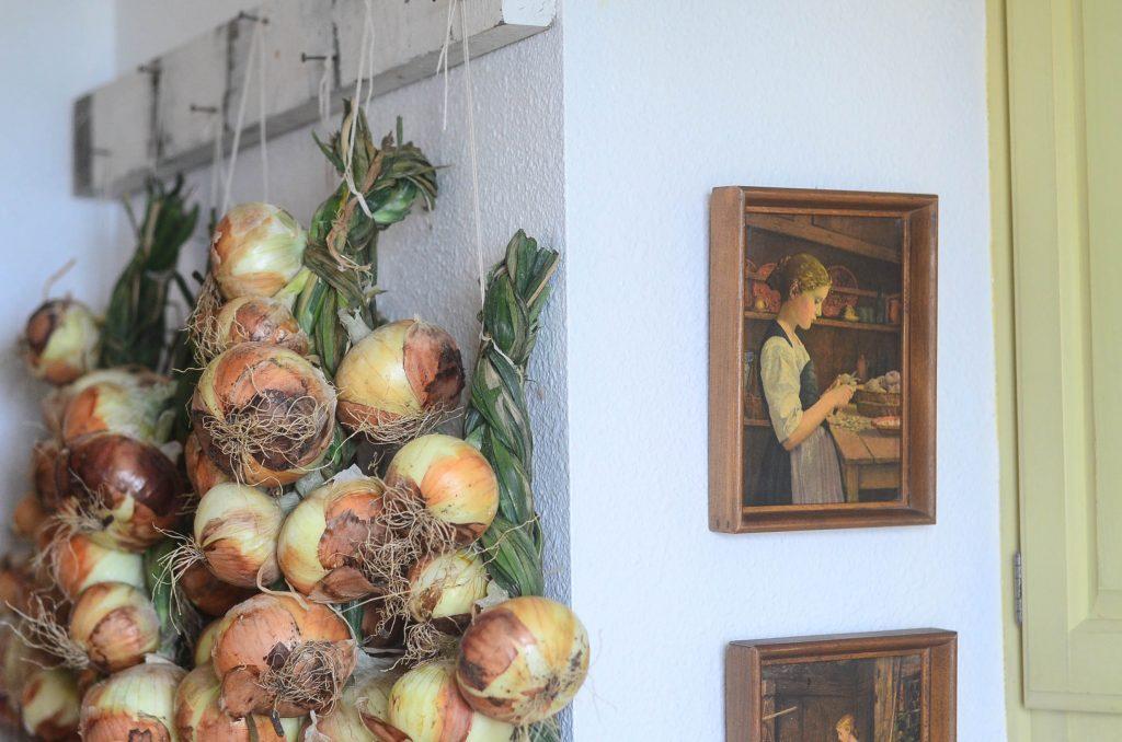 Elliott Homestead Onion Braid