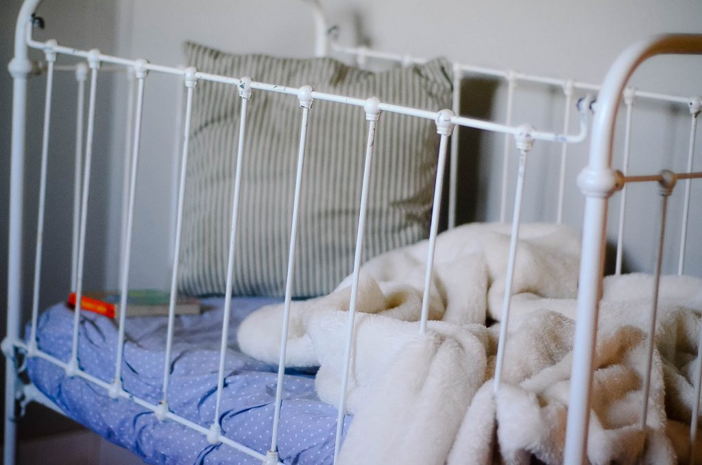 Vintage Nursery: 1800s crib | The Elliott Homestead