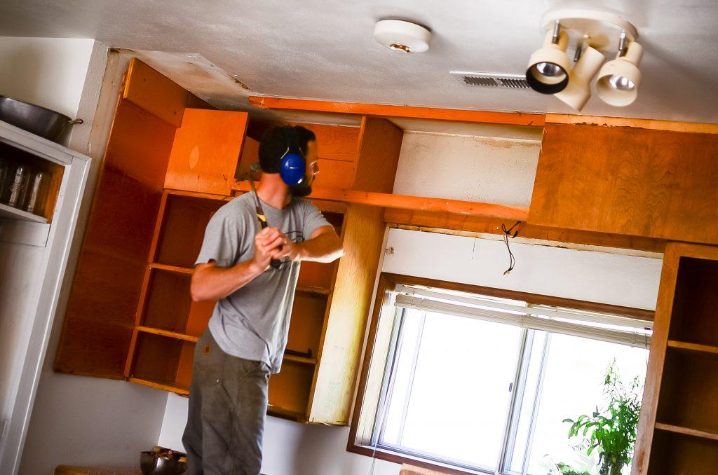 Bye ugly kitchen cabinets