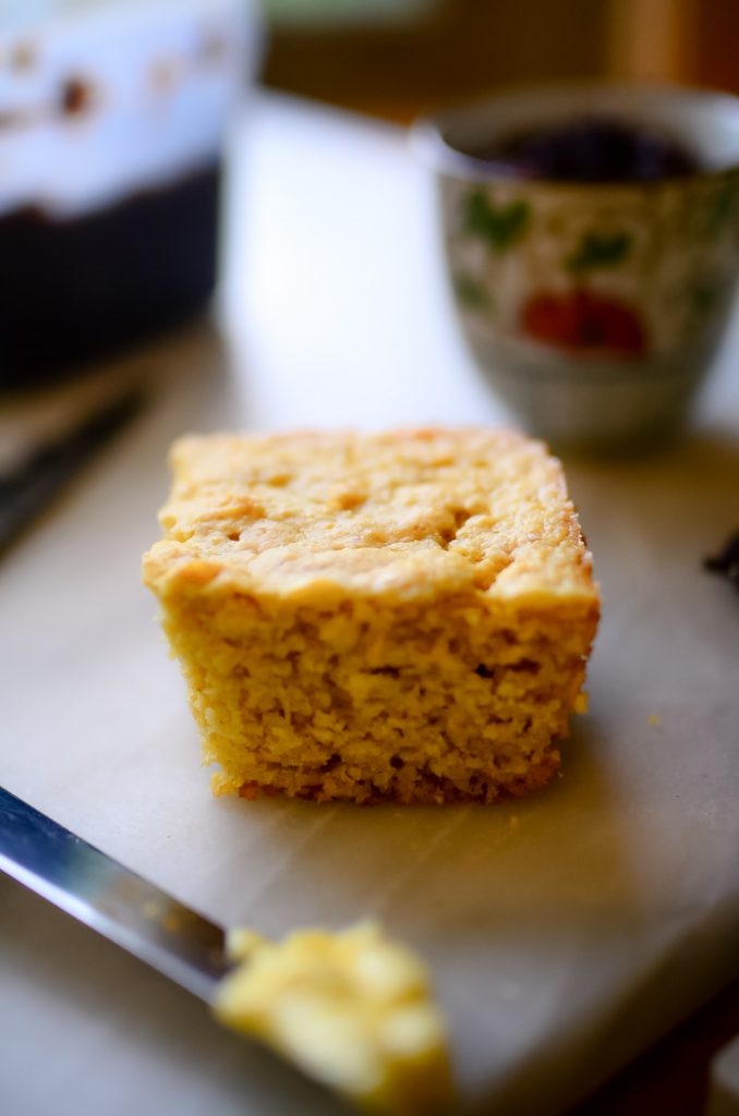 Easy homemade cornbread with maple syrup and einkorn flour!