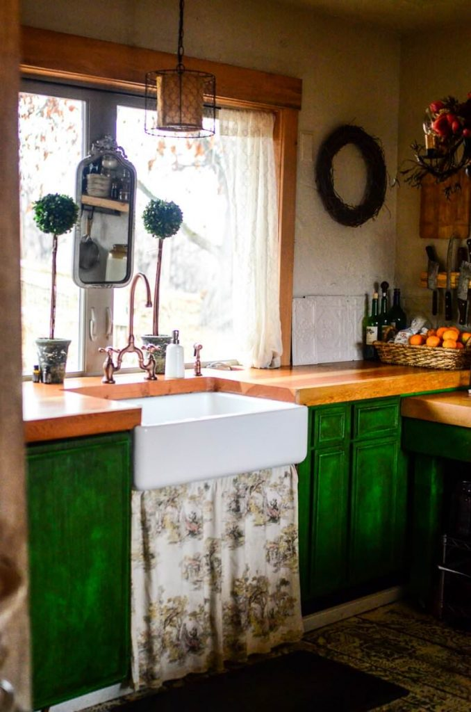 Farmhouse sink in our cottage kitchen | The Elliott Homestead
