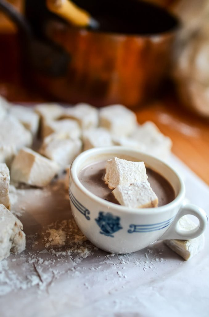 Easy, naturally-sweetened, homemade marshmallows | The Elliott Homestead