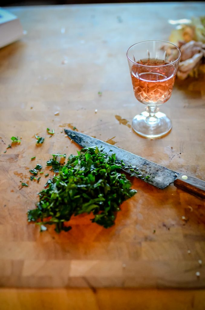Parsley to garnish
