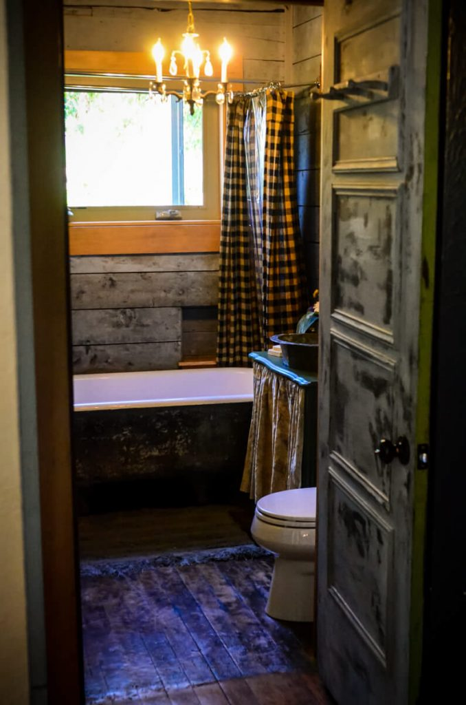 Cottage bathroom design | The Elliott Homestead