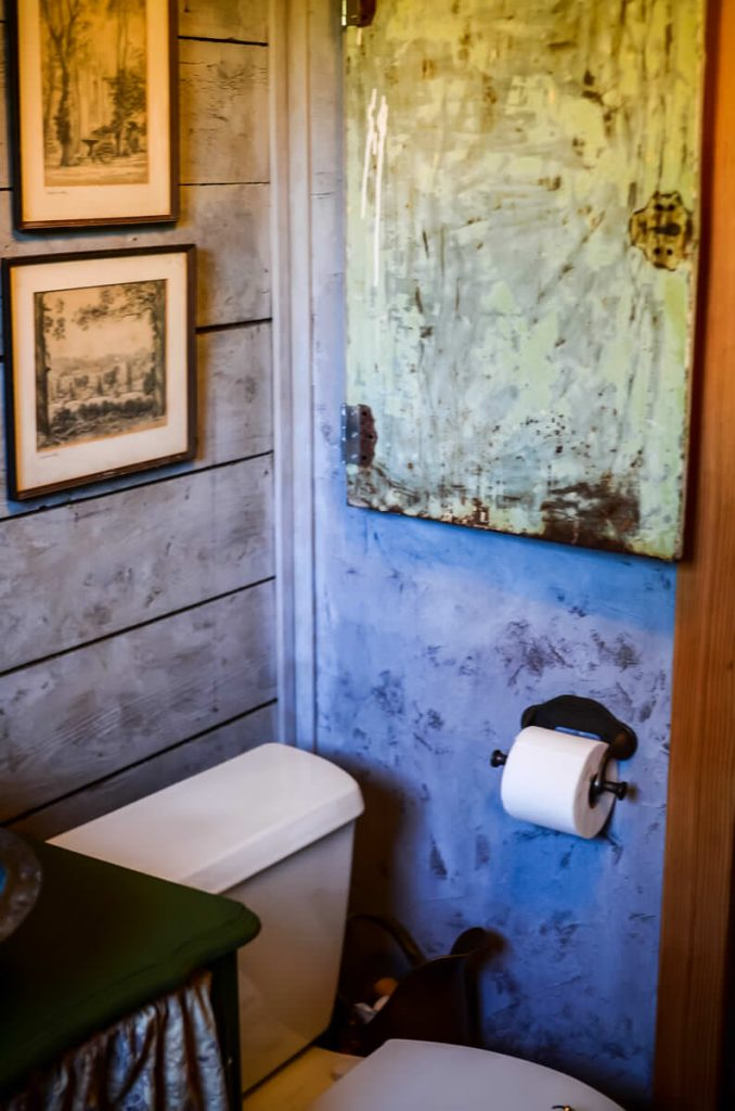 Cottage bathroom | The Elliott Homestead