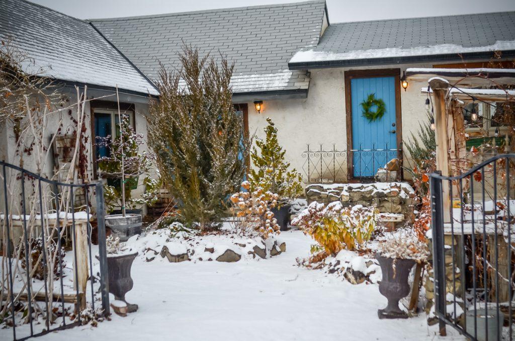 Winter Courtyard | The Elliott Homestead