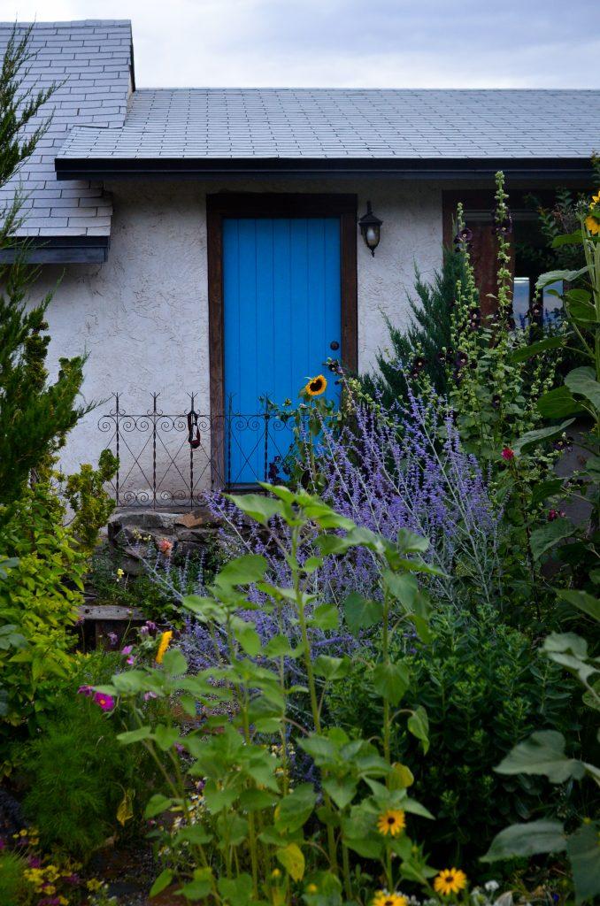 Cottage Garden in Summer | The Elliott Homestead