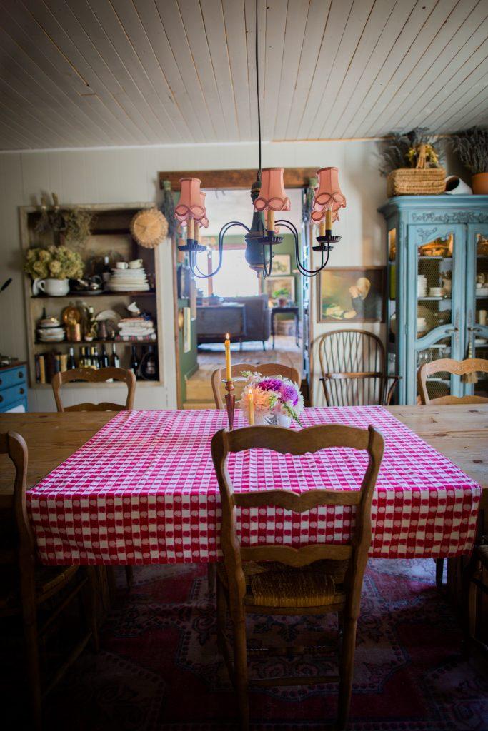 Cottage Style Dining Room | The Elliott Homestead