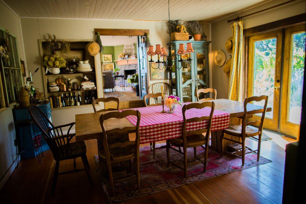 Farmhouse Dining Room | The Elliott Homestead