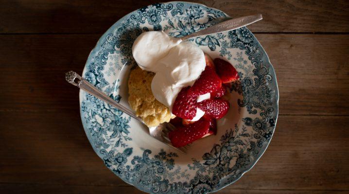 Rum Soaked Strawberry Shortcake | The Elliott Homestead